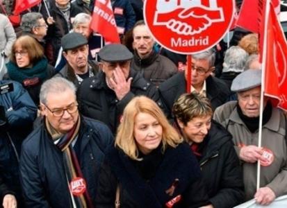 Miles de pensionistas se concentran en toda España convocados por UGT y CC.OO.