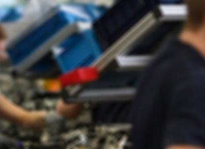 Los costes laborales en España son bajos y están estancados