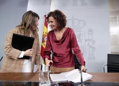 Montero y Díaz pactan derogar de facto la reforma laboral en empresas públicas