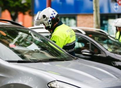 Cinco policías locales de Sevilla se niegan a someterse al test del coronavirus y los jefes los mandan a casa
